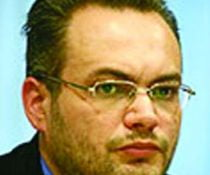Stejarel Olaru, prima optiune a PNL in locul lui Mircea Dinescu in CNSAS