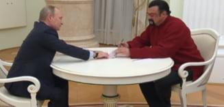 Steven Seagal nu mai are voie in Ucraina. E considerat amenintare la adresa securitatii nationale