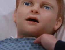"""Stiinta ia forme dintre cele mai ciudate. Un robot care sangereaza si plange dupa """"mama"""" (Video)"""