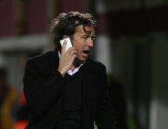 Stoica: Este o bataie de joc, ne-am saturat! Petrescu nu pleaca la Steaua!