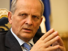 Stolojan: ARD cere Guvernului sa anuleze achizitia de masini de 18.000 de euro