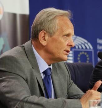 Stolojan: Busoi s-a pregatit, dar Orban era mai incisiv. Munteanu, promovat de Realitatea TV