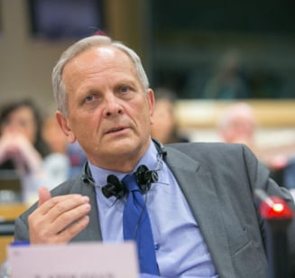 Stolojan: Ciolos are un atu puternic, dar un guvern de tehnocrati nu raspunde politic Interviu