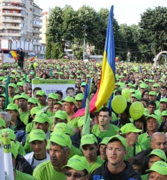 Stolojan: Exista riscul ca la europarlamentare sa vina la vot numai activistii
