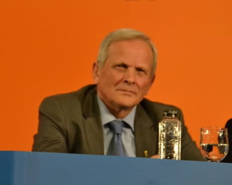 Stolojan: Vor fi plecari din PDL, dar Udrea nu va demisiona
