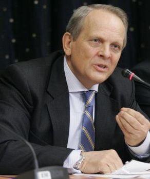 Stolojan, la TV Ziare.com: Ma preocupa teritoriile care au fost luate tarii noastre