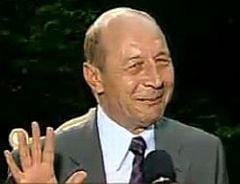 Stolojan si Blaga, convinsi ca Basescu va candida