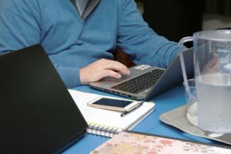 """Strainii care viziteaza Romania ar putea fi obligati sa obtina vize de munca. Initiativa legislativa pentru """"nomazii digitali"""""""