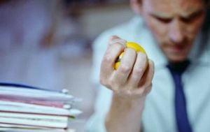 Stresul si chimicalele din plastic lasa barbatii infertili