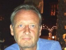 Stuart Ramsey pe Twitter: Romania, nu a fost vorba despre tine! E foarte plictisitor. Aresteaza bandele?