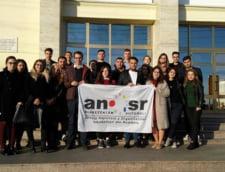 Studentii ameninta ca ies in strada daca Guvernul nu renunta la masurile anuntate: Ne intoarcem in Evul Mediu!