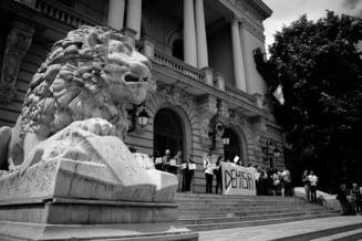 Studentii din Iasi dezvaluie cum Toader s-a folosit de Politie pentru a-i intimida si demonteaza acuzatiile aduse de conducerea universitatii