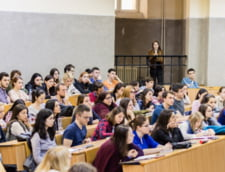 Studentii la Medicina invata sa vindece si sa educe pacientii prin AlternMed