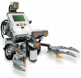 Studentii romani au creat robotul care aduce berea si prinde soareci