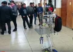 Studentii romani au inventat robotul care face curatenie si gateste (Video)