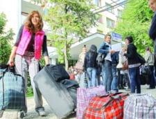 Studentii romani sunt saraci si nu duc dorul familiei cand pleaca in strainatate - Eurostudent