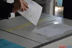 Studentii stau la coada la Iasi sa voteze: Nu poti tanji la schimbare daca nu schimbi tu ceva