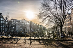 Studiu: Pandemia grabeste transformarea centrelor oraselor in zone prietenoase cu pietonii si biciclistii