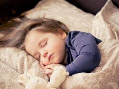 Studiu. Tulburarile de somn, comune in randul copiilor in perioada de izolare
