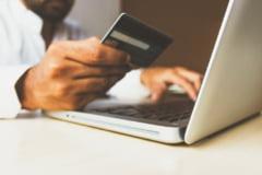 Studiu: Unu din patru romani nu face plati online de teama furtului datelor personale