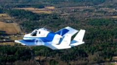 Succes total: masina zburatoare, testata pe sosea si in aer (Video, Galerie foto)