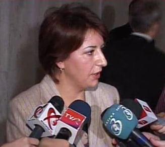 """Sulfina Barbu: Geoana ar trebui demis de la sefia Senatului din cauza """"traznailor medievale"""""""