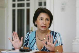 Sulfina Barbu: Sectorul 4 se inunda, Piedone face campanie in Moldova
