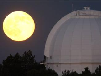 Super Luna, un fenomen astronomic spectaculos (Galerie foto)