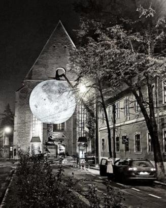 Super Luna expusa pe cea mai frumoasa strada din Cluj. E magic! - FOTO