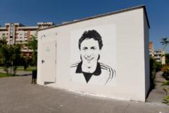 Suporterii FC Universitatea Craiova au vandalizat portretul lui Sorin Cartu din centrul Craiovei