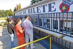 Suporterii au luat cu asalt casele de bilete din Ghencea