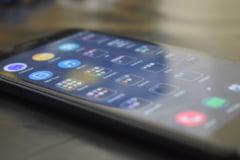 Surpriză uriașă pe piața telefoanelor inteligente. Producătorul chinez care a vândut mai multe smartphone-uri decât Samsung sau Apple