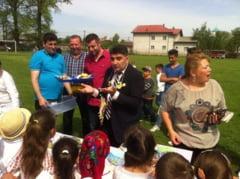 Surpriza placuta din partea primarului JIPA pentru copiii din Ogrezeni si tinerele familii