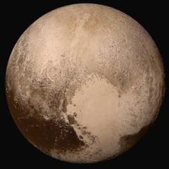 Surprize de pe Pluto: Are un ocean subteran cu apa mai multa decat toate marile de pe Pamant