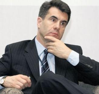Surse PD-L: Basescu il va propune pe Lucian Croitoru ca premier
