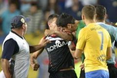 Suspendare record pentru Bornescu, dupa ce l-a muscat pe Bawab