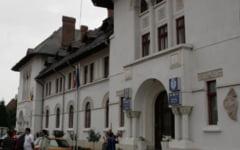 Suspiciuni de fals in Primaria Targu Jiu: semnatura unui fost consilier local apare pe un document din anul 2016, desi nu mai detinea aceasta calitate de doi ani