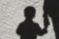 Suspiciuni majore în cazul morții fetiței de doi ani, care s-ar fi înecată în cada de baie la Iași