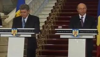 Sustinerea aderarii la UE si 100 de milioane de euro, de la Basescu pentru Ghimpu