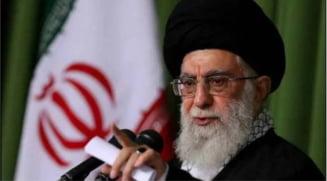 """Sustinerea lui Macron a caricaturilor profetului Mahomed, un """"act stupid"""", denunta liderul suprem iranian Ali Khamenei"""