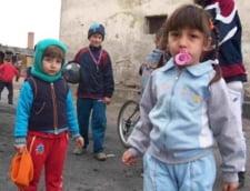 Sute de copii rromi in scolile din Berlin