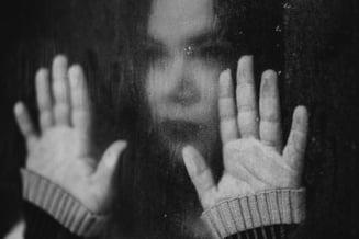 Sute de femei cer ordine de protectie lunar in Romania. Cum este justificata respingerea unor cereri facute de femei care spun ca se simt in pericol