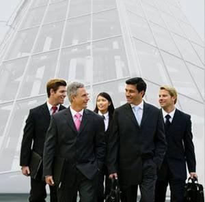 Sute de finantisti si antreprenori fug de taxa de 50% din Marea Britanie