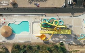 Sute de galateni s-au inghesuit sa prinda un loc pe noua plaja din municipiu. Ce atractii are aquapark-ul de 6 milioane de euro VIDEO