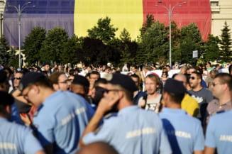 Sute de grefieri au protestat la Piata Victoriei, dar au fost lasati cu ochii-n soare de Guvern