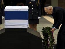 Sute de israelieni au stat la coada, sa-i aduca un ultim omagiu lui Ariel Sharon (Galerie foto)