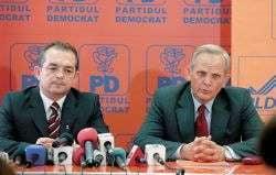 Sute de membri PD au plecat la PSD