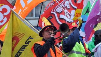 Sute de mii de francezi au protestat fata de legea pensiilor