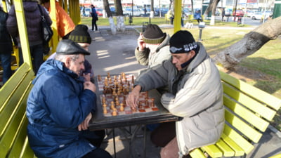 Sute de mii de pensii recalculate, dupa decizia CCR. Plata se va face din 2014 (Video)