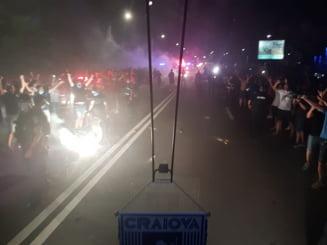 Sute de oameni au iesit pe strazi la Craiova, dupa victoria echipei de fotbal impotriva CFR-ului